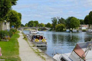location camping mobil-home jarnac
